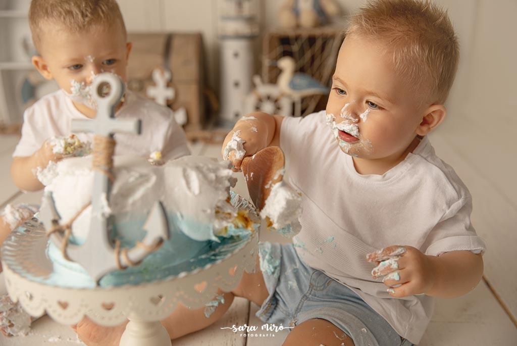 Sesión de fotos de smash cake bebé en Alcalá de Henares, Madrid